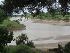 The Mphongolo River